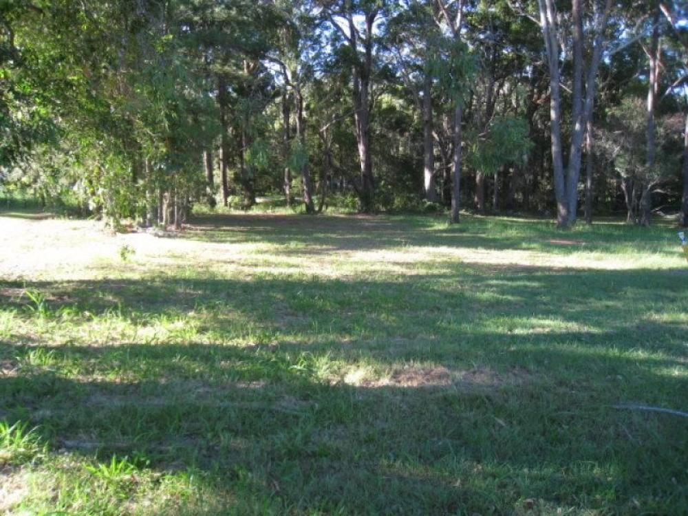 Large block at the end of the  street..Adjacent to Acreage property..!!