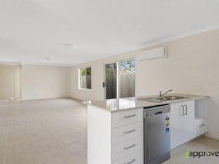 View profile: NEAR NEW Modern 3 Bedroom!