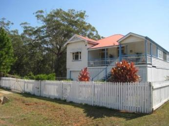 View profile: QUEENSLANDER on 1,268 m2 ALLOTMENT...600 Metres to Ferry ...!!!