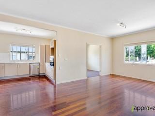 View profile: 2 Bedroom - Prime Location!