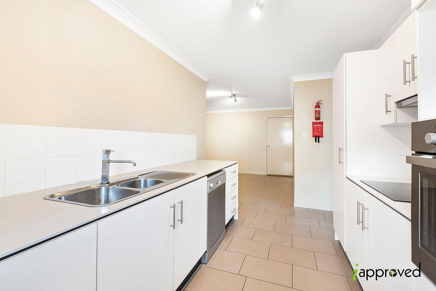 Property capalaba id 66 for The family room capalaba