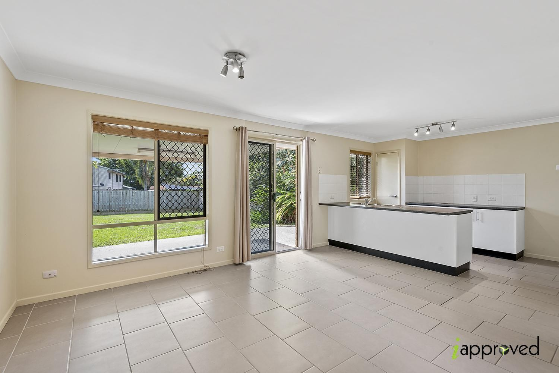 Modern 1 Bedroom - Big Backyard!