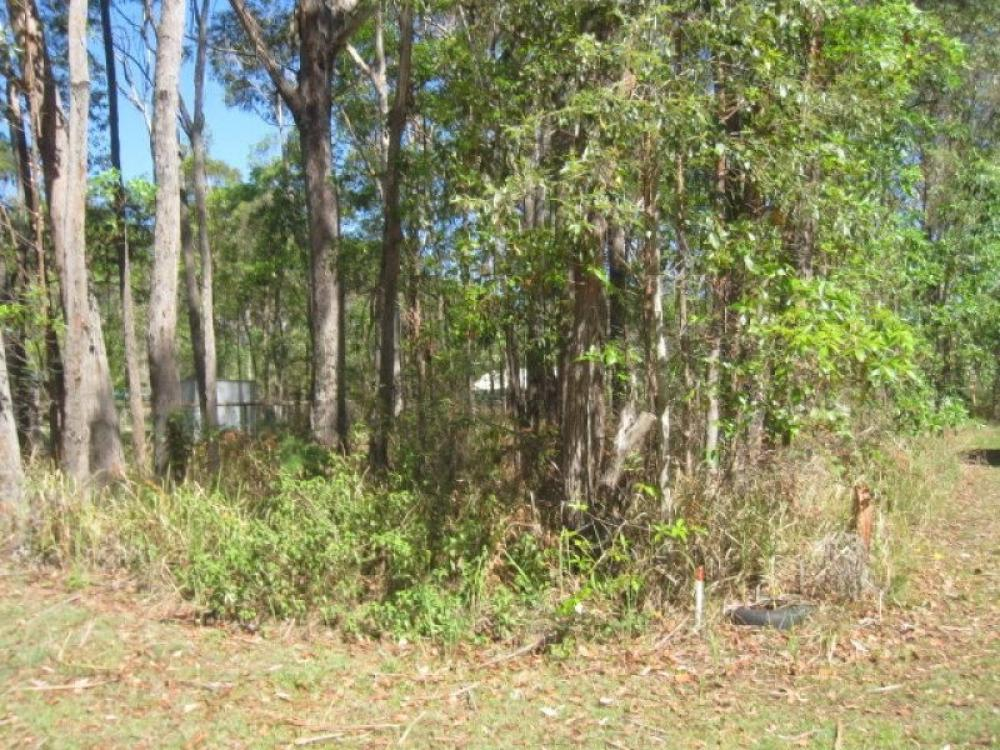 Lightly tree'd Block...Southern end... Priced to sell !!!